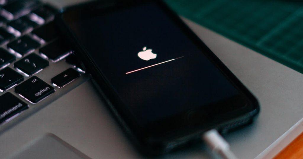 iPhone iOS 14.6 แบตหมดเร็ว! ลองปรับการตั้งค่า 2 ส่วนนี้อาจช่วยประหยัดแบตได้